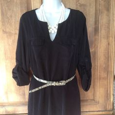 Black Dress Black dress, can wear as long sleeve and or short with button. Super cute and comfortable, worn a couple of times, in excellent condition belt not included Old Navy Dresses