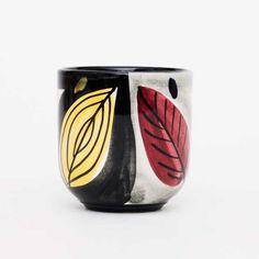 30 - Fargede blad - Stavangerflint Stavanger, Tea Bowls, Ceramic Cups, Vintage Textiles, Shot Glass, Mugs, Tableware, Modern, Weighing Scale