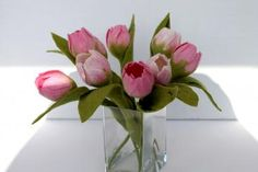mafiz.de - Edle in Handarbeit gefilzte Tulpen in rosa mit Blatt , gefilzt von Mafiz