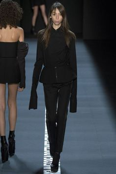 Vera Wang New York Spring/Summer 2017 Ready-To-Wear Collection | British Vogue