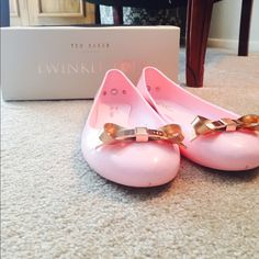 3827af5ed3814f Ted Baker London Light Pink Issan Ballet flats Sz8 Like new Ted Baker  London Light Pink