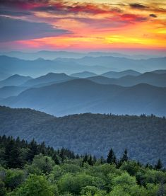 Gorgeous shot of mountains near Asheville, North Carolina