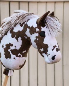 Tässäpä teille sm-myytävä nro. 14, joka myydään ennen sm-kilpailuja instagramin kautta (nouto ja maksu smeissä) lähtöhintaan 120€.… Our Generation Doll Accessories, Our Generation Dolls, Fabric Crafts, Sewing Crafts, Diy Crafts, Inspirational Horse Quotes, Stick Horses, Year Of The Horse, Horse Crafts