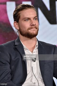 "Jake Weary Photos - Actor Jake Weary of ""Animal Kingdom"" speaks onstage during the 2016 TCA Turner Winter Press Tour Presentation at the Langham Hotel on January 2016 in Pasadena, California. Deran And Adrian, Animal Kingdom Tv Show, I Movie, Movie Stars, Jake Weary, Presentation Pictures, Sexy Men, Hot Men, Press Tour"