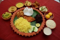 Food From the street foods scattered all across the city to the posh restaurants offering Puja Special or the special delicacies cooked in every household, Durga Puja literally becomes a Food Festival for the Bongs. So food is something you cannot afford to miss during the Durga Puja.
