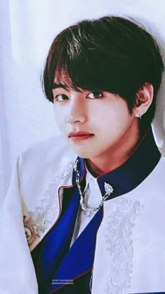 He looks like a Prince Charming K Pop Boy Band, Boy Bands, Seokjin, Hoseok, Taehyung 2017, Bts Kim, Daegu South Korea, Bts Concept Photo, Bts Photo