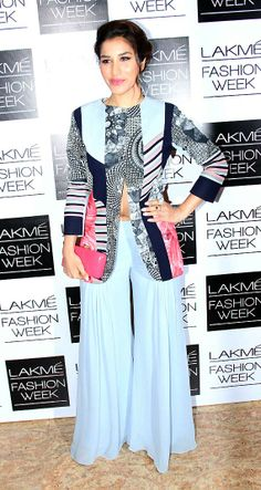 Lakme Fashion Week Kajol, Kangana, Sonali raise the glamour quotient (view pics) Sophie Choudry, Modern Vintage Fashion, Sonakshi Sinha, Pernia Pop Up Shop, Lakme Fashion Week, Festival Wedding, Lifestyle News, Casual Party, Indian Ethnic
