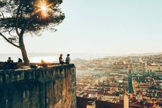 4 mei 2020 - Gehele woning/appartement voor Excellent fully equipped apartment, located within the walls of Castle of S. Jorge, one of the most important historical monuments of Lisbon. Lisbon Accommodation, Inside Castles, Day Trips From Lisbon, Castle Wall, Historical Monuments, Portugal Travel, Great View, Paris Skyline, Travel Inspiration