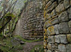 Peru Kuelap wall