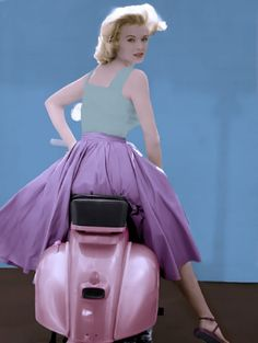 Angie Dickinson as Jessica great full length pose on Vespa scooter Poster Scooter Girl, Vespa Girl, Scooters Vespa, Motos Vespa, Motor Scooters, Vintage Vespa, Fotografia Pb, Lambretta, Estilo Pin Up