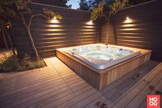Relaxing Jacuzzi in a beautiful garden. A great project by Hoveniersbedrijf Hendriks from Didam. Hot Tub Gazebo, Hot Tub Deck, Hot Tub Backyard, Hot Tub Garden, Backyard Patio, Jacuzzi Outdoor, Outdoor Spa, Whirlpool Deck, Pool Designs