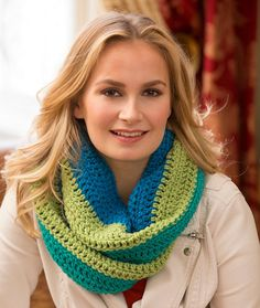 Paradise Infinity Cowl Free Crochet Pattern in Red Heart Yarns