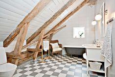 Blanco en una casa de madera   My Leitmotiv