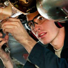Aircraft Maintenance Training: 5 Things I Wish I'd Known Earlier - AIM Schools
