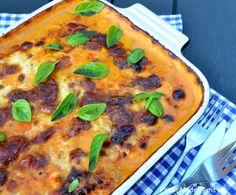 Fantastisk lækker og cremet kartoffel-lasagne med kødsauce. Et efterårs og vinterhit og et skønt alternativ til den klassiske lasagne.