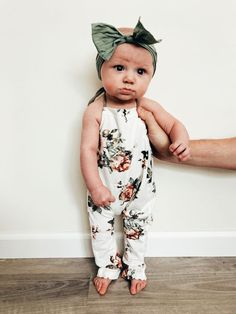 Beautiful Baby Girl Chanel Like Outfit This was my favorite outfit for my daughter … Beau… – Cute Adorable Baby Outfits Baby Kind, My Baby Girl, Baby Baby, Baby Girl Romper, Baby Girl Stuff, Cute Baby Stuff, Baby Girl Closet, Baby Girl Headbands, Baby Dress