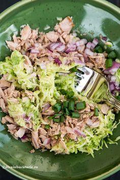 Pentru o gustare sau un mic dejun sanatos, crema de ton cu avocado, este tot ce imi pot dori. Raw Food Recipes, Appetizer Recipes, Cooking Recipes, Healthy Recipes, Helathy Food, Good Food, Yummy Food, Keto Food List, Vegetable Dishes