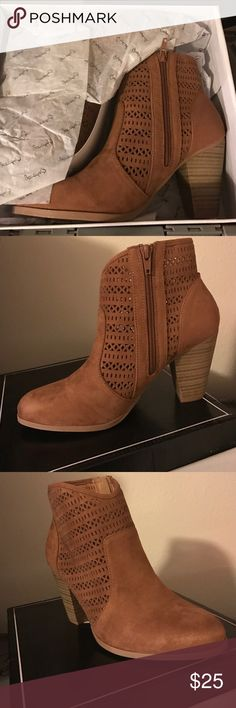 Qupid Women Tan Ankle Boots Size 8.5 Best PoshMark Newbie out there bringing the BEST Style Around!! Brand New Women Ankle Boots Size 8.5. Casual or even made to be formal. YOU SET THE STAGE❤️ Qupid Shoes Ankle Boots & Booties