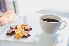 Brew Up New Life Into Your Coffee Habit. We all love that cup of coffee in the morning, but often times are mystified as to why our homemade cup of java doesn't taste as good as the ones we get at Healthy Soup Recipes, Healthy Foods To Eat, Fast Foods, Coffee Barista, Coffee Cups, Coffee Shop, Coffee Beans, Coffee Maker, Site Photo