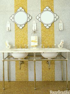AMBER STRIPES Glass tiles from Waterworks line the walls and floor in the guest bathroom of this California country home by designer Jay Jeffers. The amber stripes break up the space and add a note of whimsy. Beautiful Bathrooms, Bathroom Design, Beautiful Homes, Bathroom Colors, Round Mirror Bathroom, Tile Bathroom, Yellow Tile, Striped Tile, Bathroom Decor