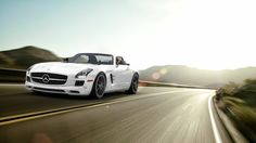 Mercedes-Benz SLS AMG. Like dynamite. Without a fuse.
