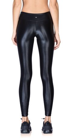 Stay in style while you step up your ab workout. Lycra Leggings, Sports Leggings, Tight Leggings, Black Leggings, Leggings Are Not Pants, Black Leather Pants, Plastic Pants, Sleek Look, Running Tights