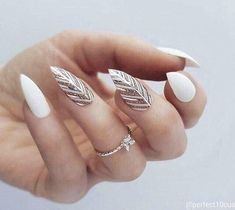The Most and Glamorous Nail Art Designs For Girls - Page 18 of 20 Round nails art is so nice! That's why we found the best nails to motivate you and take you to the local nail salon as… Stylish Nails, Trendy Nails, Cute Nails, Stiletto Nail Art, Acrylic Nails, Coffin Nails, Short Stiletto Nails, Nagellack Trends, Modern Nails