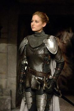 Leelee Sobieski, Joan of Arc. Love the armor. Actually looks usable and not decorative