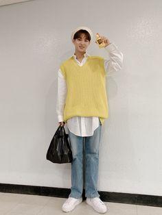 Mingyu ♡ #Seventeen Mingyu Seventeen, Seventeen Debut, Rapper, Hip Hop, Mingyu Wonwoo, Kim Min Gyu, Choi Hansol, Airport Style, Airport Fashion
