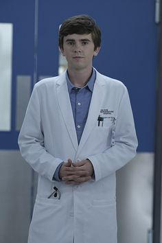 Freddie Highmore / The Good Doctor The Good Doctor Abc, Good Doctor Series, The Good Dr, Freddie Highmore, Antonia Thomas, Tv Series 2017, Drama Tv Series, Best Tv Shows, Favorite Tv Shows