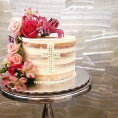 Resultado de imagen de communion-cake-for-boys-confirmation-cake-boy-christening-cake-by-Sweet-Bloom-Cakes-AU.jpg
