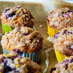 Blaubeer-Muffins mit Zitronenstreuseln – eine Muffin-Premiere | culinary pixel - food & foto blog