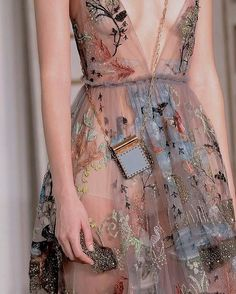 "6,514 Me gusta, 17 comentarios - Haute Couture (@instahautecouture) en Instagram: ""@maisonvalentino #fashion #hautecouture #style #fashionista #chic #elegant #fashionblogger…"""