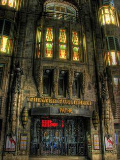 Beautiful Cinemas - Tuschinski, Amsterdam Moet ik toch ook weer eens een keertje naar toe ... :-)