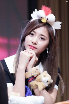 ♡ [ Official Thread of Chou Tzuyu ] NEW OP incoming! ⇀ Poll updated ⇀ The Most Beautiful Face of 2019 ヽ(♡‿♡)ノ Girl Photo Poses, Girl Photos, Cute Girl Pic, Cute Girls, Tzuyu Wallpaper, Chou Tzu Yu, Pics Art, Tzuyu Twice, Beauty Full Girl
