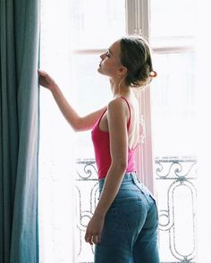 Lily Rose Depp Style, Lily Rose Melody Depp, Lily Depp, Kate Moss, Glamour, Short Girls, Aesthetic Clothes, Beauty Women, Curly Hair Styles