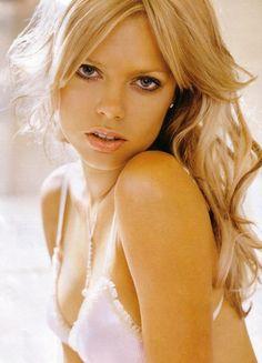 Sophie Monk blonde