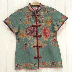 Batik Encim Pekalongan Batik Kebaya, Batik Dress, Kimono, Batik Fashion, Fashion Sewing, Traditional Fashion, Traditional Outfits, Blouse Batik Modern, Big Size Fashion