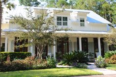 House of Turquoise: Low Country. Shed dormers and french doors. Low Country Homes, Southern Homes, Country Cottages, Country Houses, Country Style, House Of Turquoise, Style At Home, Cottage Homes, Cottage Style