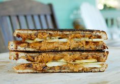 Cinnamon apple grilled cheese - cup of Gjetost (Ski Queen cheese), shredded - 2 pats of salted butter - 2 slices of cinnamon raisin bread - cup thinly sliced granny smith apple - 1 tbsp apple butter - 1 tsp of cinnamon sugar Grill Cheese Sandwich Recipes, Grilled Cheese Recipes, Apple Butter, Salted Butter, Peanut Butter, Sweet Desserts, Healthy Desserts, Charcuterie, Cinnamon Raisin Bread