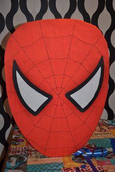 Aquí va otra piñata divertida para el cumpleaños de mi sobrino, como los 5 años no se cumplen siempre y le gustan mucho los superheroes....