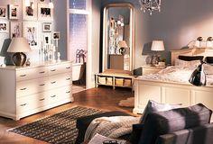 carrie bradshaw style bedroom