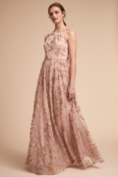 Blush and Gold Bridesmaid Dresses to Mix and Match. Mismatched blush and gold bridesmaid dresses are a great wedding attire color scheme. Get ideas! Bhldn Bridesmaid Dresses, Wedding Dresses, Bride Dresses, Floral Bridesmaids, Rose Gold Bridesmaid, Romantic Dresses, Halter Dresses, Floral Dresses, Elegant Dresses