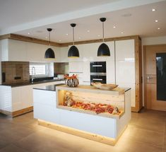 Familien Küchen - Speranta Hope - - Hints for Women Kitchen Room Design, Modern Kitchen Design, Home Decor Kitchen, White Wood Kitchens, Cool Kitchens, Farmhouse Furniture, Kitchen Furniture, Kitchen Benches, Family Kitchen