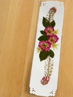 Using Pressed Flowers | Pressed Flower Bookmarks