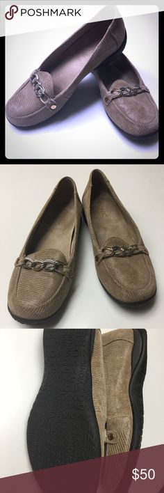 130aa9627972 Vionic loafers Size 7.5 vionic orthotic casual dress loafers. Tan snakeskin  texture with gold and