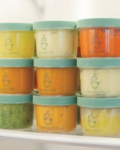 How to make homemade baby food. Recipes included! I like to think I'll have the patience/time for this. Pin now, read later.