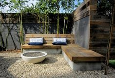 Backyard built in seating (Outdoor Wood Seating) Garden Seating, Outdoor Seating, Outdoor Rooms, Outdoor Living, Outdoor Couch, Backyard Seating, Outdoor Fire, Patio Bench, Diy Bench