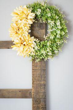DIY Spring Wreath / spring home decor / spring DIY project