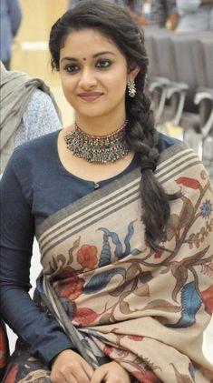 Keerthi Suresh Full Sleeves Design, Saree Hairstyles, Wedding Hairstyles, Stylish Blouse Design, Sari Blouse Designs, Stylish Sarees, Saree Look, Most Beautiful Indian Actress, Indian Beauty Saree